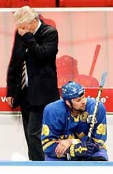 Sveriges ledare Hardy Nilsson är förtvivlad. Det svenska spelet fungerade inte alls. Foto: Jonas Ekströmer/Prb