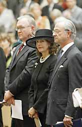 Göran Persson tillsammans med kungen och drottningen vid riksdagens höst-öppning. Foto: Bertil Ericson/PrB