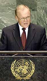 Statsminister Göran Persson talar i FN. Foto: Tim Sloan/PrB