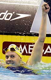 Josefin Lillhage vann guld i världsmästerskapet i simning. Foto: Michael Conroy/PrB
