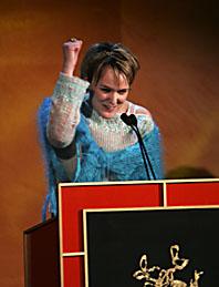 Maria Blom har gjort filmen Masjävlar som fick det finaste priset vid filmgalan. Den var årets bästa film. Foto: Henrik Montgomery/PrB