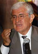 Ecuadors nye president heter Alfredo Palacio. Foto: Dolores ochoa/PrB