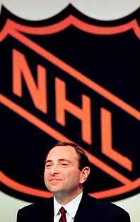 NHL-chefen är nöjd. Nu blir det snart spel igen i hockeyligan. Foto: John Lehmann