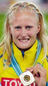 Carolina Klüft med sin nyaste guldmedalj. Foto: Jeff Haynes/PrB