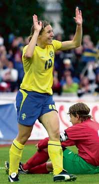 Hanna Ljungberg var matchens skytte-drottning. Foto: Robert Granström/Pressens Bild