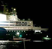 Färjan Regina Baltica gick på grund klockan halv tio på tisdagskvällen. Foto: Christian Örnberg/Pressens Bild