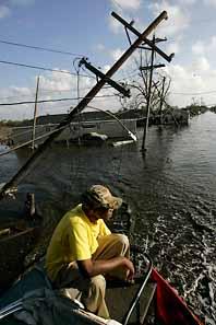 Jesse Savage är tillbaka vid sitt hus i New Orleans. Fortfarande är stora delar av New Orleans översvämmat. Foto: Robyn Beck/PrB