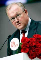 Göran Persson fortsätter att vara partiledare för socialdemokraterna. Partiets kongress valde honom på måndagen. Foto: Pontus Lundahl/Pressens Bild