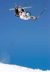 Sara Kjellin hoppar i tävlingen i Tignes. Foto. Thomas Coex/PrB