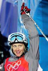 Sara Kjellin var nära att ta Sveriges första medalj i Turin-OS. Hon blev fyra i puckelpist. Foto: Fabrice Coffrini/Pressens Bild