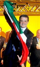 Romano Prodi säger att han vann valet i Italien. Men ännu är det inte helt klart. Det blev mycket jämnt mellan de politiska blocken. Foto: Giulio Napolitano/Pressens Bild