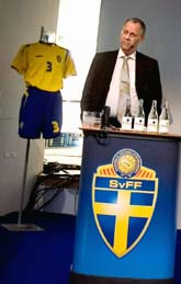 Lars Lagerbäck presenterade VM-laget vid ett stort möte med svenska journalister. Foto: Pontus Lundahl/Pressens Bild