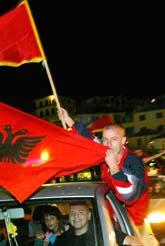 Jubel efter att Montenegro röstat ja till att bli självständigt. Foto: Visar Kryeziu/Pressens Bild