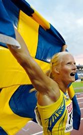 Carolina Klüft var lycklig efter sin seger i sjukampen. Foto: Eric Feferberg/PrB