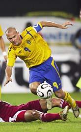 Fredrik Ljungberg var en av de bästa i laget när Sverige vann mot Lettland. Foto: Jonas Ekströmer/PrB