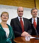 Kulturminister Lena Adelsohn Liljeroth, statsminister Fredrik Reinfeldt och handelsminister Sten Tolgfors. Foto: Janerik Henriksson/Scanpix