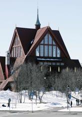 Kiruna kyrka är en av de byggnader som kan skadas om det blir sprickor i marken. Foto: Sven Nackstrand/Scanpix