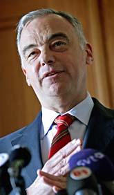 Folkpartiledaren Lars Leijonborg har inte stöd från sitt parti. I höst slutar han. Foto: Pontus Lundahl/Scanpix