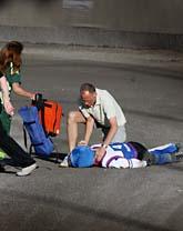 Speedway-föraren Kenny Olsson åkte omkull och blev allvarligt skadad. Foto: Fredrik Jonson/Scanpix
