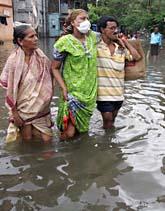 Regner har dränkt den över den indiska staden Mumbai. Foto: Rajesh Nirgude/Scanpix