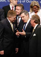 I torsdags kom EU-ledarna överens om en ny grundlag. Foto: Paulo Duarte/AP/Scanpix
