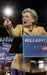 Hillary Clinton ligger bra till i valet. Hon kan få ställa upp i USAs presidentval. Foto: Elise Amendola/Scanpix