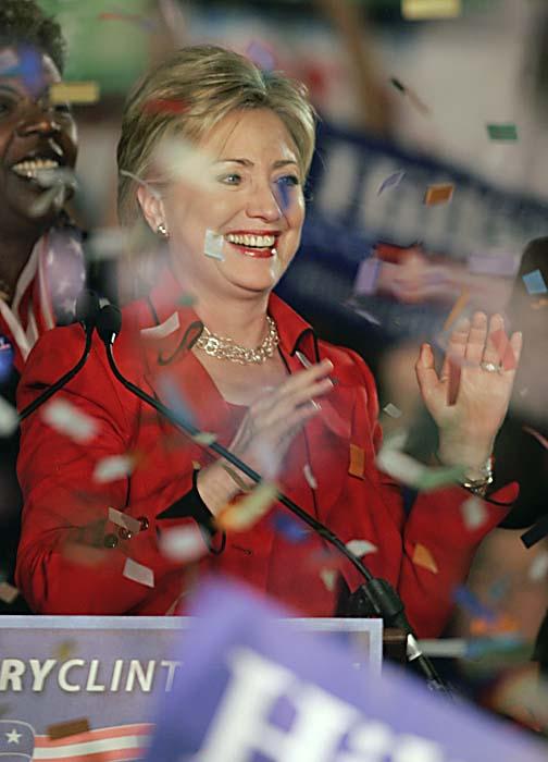 Hillary Clinton har fortfarande chans att få vara med i president-valet. Foto: Marc Dyncan/Scanpix