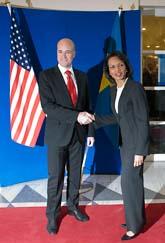 Statsminister Fredrik Reinfeldt och USAs utrikesminister Condoleezza Rice i Stockholm. Foto: Maja Suslin/Scanpix
