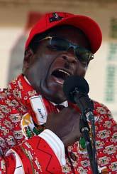 Robert Mugabe tänker hålla val på fredag trots att FN inte vill det. Foto: Tsvangirayi Mukwazhi/Scanpix