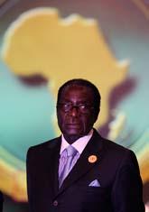 Zimbabwes president Robert Mugabe träffade ledare från andra Afrikanska länder på ett möte i Egypten. Foto: Nasser Nasser/Scanpix