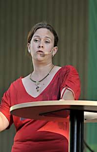 Maria Wetterstrand talar i Almedalen. Foto: Janerik Henriksson/Scanpix