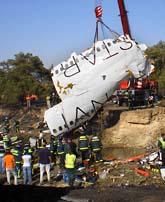 153 människor dog i en flugolycka i Madrid. Det fanns minst två svenskar ombord. Foto: AP/Scanpix