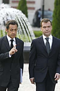 Nicolas Sarkozy och Dimitri Medvedev. Foto: Mikhail Metze/Scanpix.
