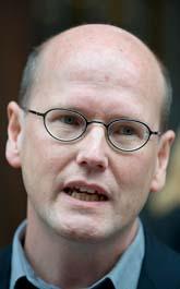 Thomas Östros gillar inte regeringens planer. Foto: Anders Wiklund/Scanpix