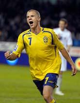 Samuel Holmén jublar efter sitt mål. Foto: Henrik Montgomery/Scanpix