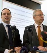 Finansminister Anders Borg och finansmarknadsminister Mats Odell. Foto: Anders Wiklund/Scanpix