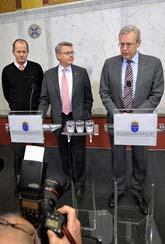 Mats Odell berättar att staten blir ägare av banken Carnegie. Foto: Fredrik Sandberg/Scanpix
