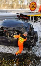 Många bilar åkte av vägen i ovädret. Foto: Johan Nilsson/Scanpix.