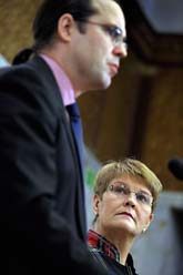 Finansminister Anders Borg och näringsminister Maud Olofsson. Foto: Janerik Henriksson/Scanpix