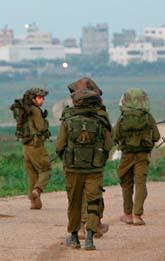 Israeliska soldater på gränsen till Gaza. Foto: Tara Todras Whitehill/Scanpix