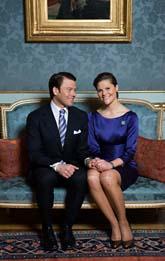 Daniel och Victoria berättade om förlovningen på slottet i Stockholm på tisdagen. Foto: Henrik Montgomery/Scanpix.