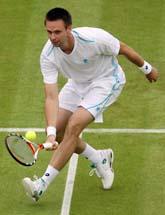 Robin Söderling vann första matchen i årets Wimbledon. Foto: Alistair Grant/Scanpix