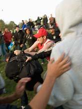 Det blev bråk när människor i Rosengård jagade bort demonstranterna. Foto: Stig-Åke Jönsson/Scanpix
