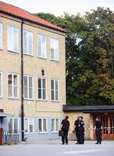 Tre barn föll från ett fönster i Aspnässkolan i Järfälla. Foto: Fredrik Persson/Scanpix