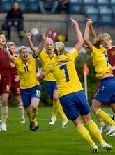 Kanonstart i EM. Charlotte Rohlin gör mål redan efter fyra minuter. Foto: Roni Lehti/Scanpix