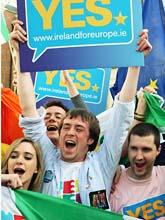 Irländarna sade klart ja till EUs nya lagar. Foto: Peter Morrrison/Scanpix