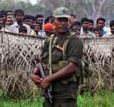 Flera hundra tusen tamiler stängdes in i flyktingläger i slutet av kriget. Foto: Eranga Jayawardena/AP/Scanpix