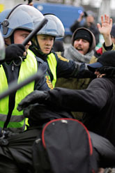 Poliserna grep över tusen demonstranter. Foto: Jens Dresling/Scanpix