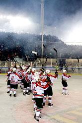 Frölunda tackade rekordpubliken efter matchen. Foto: Adam Ihse/Scanpix