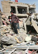 Flera bomber sprängdes i Irak i helgen. Terrorgrupper ville skrämma folk från att gå och rösta i valet. Foto: Karim Kadim/Scanpix
